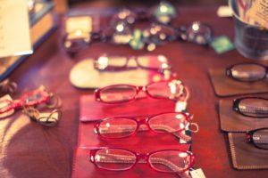 眼鏡の素材を選ぼう(あいーだママの家庭の救急箱)